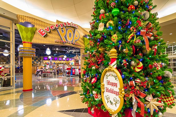 The entrance to Everything Pop at Christmastime