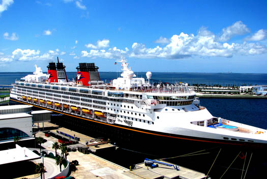 Cleaning up the Disney Wonder cruise ship in port