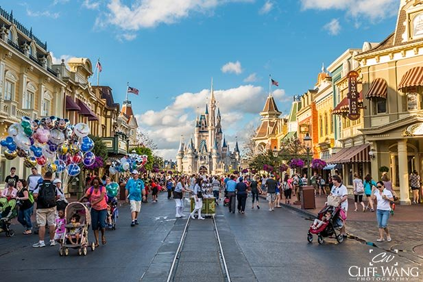 Light crowds on Main Street USA in the Magic Kingdom