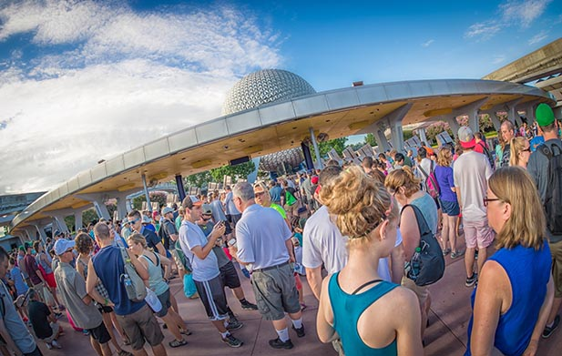 some stressful crowds at EPCOT which can be helped if you use Destinations to Travel as your travel agent